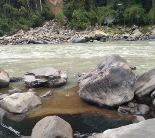 Ecopetrol solicitó a las comunidades alejarse de los lugares del derrame causado por los atentados al oleoducto Caño Limón-Coveñas.